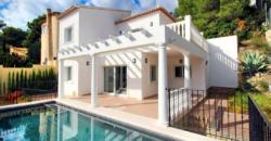 Klassieke villa recent gebouwd
