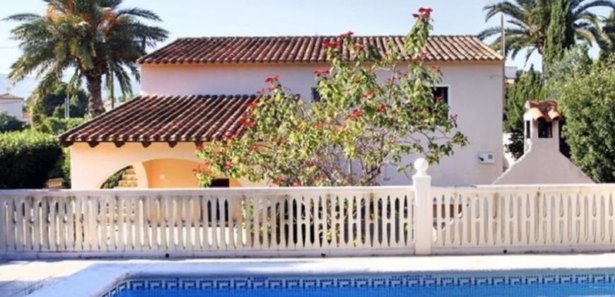 Nette villa in Los Pinos
