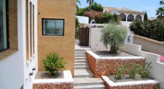 Exclusieve nieuwbouw designvilla in Sabatera